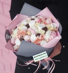 Сладкий букет с розами №367, Ø27 см.