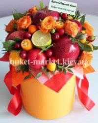 Букет с фруктами и цветами в коробке №378