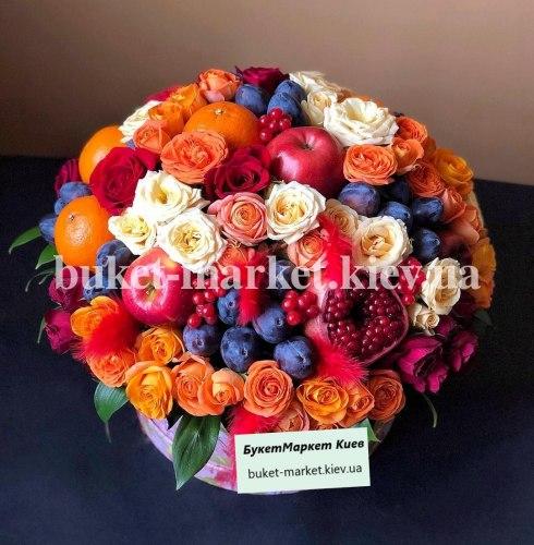Огромный букет из фруктов и роз в коробке, Ø27-35 см., №386