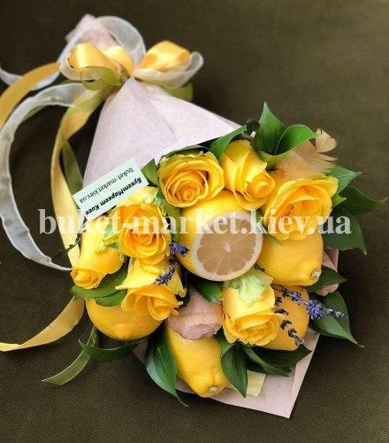 """Букет с розами и фруктами """"Смайл"""" №403"""
