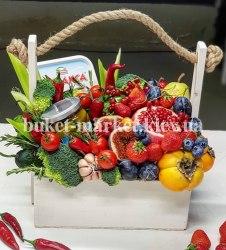 Букет из фруктов и овощей в ящике №405
