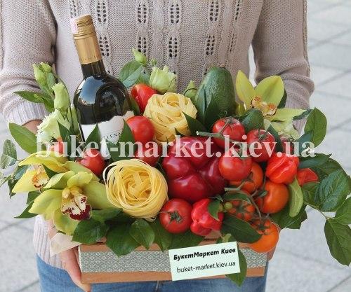 """Букет из фруктов и овощей в ящике """"Вива Италия"""" №407"""