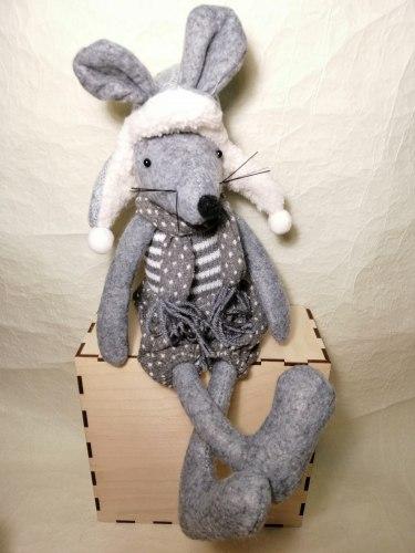 Мягкая игрушка Мышка (сидячая)