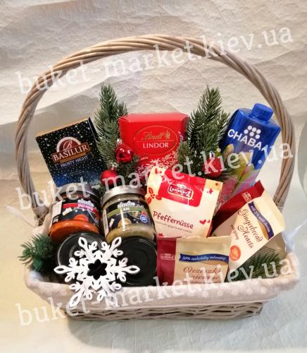 Корзина с импортными продуктами на Новый год №476