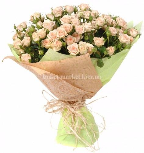 Букет розовых кустовых роз 50 см – 19 шт