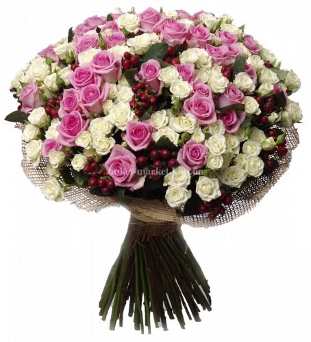 Букет из розовых и белых роз 50 см - 81 шт