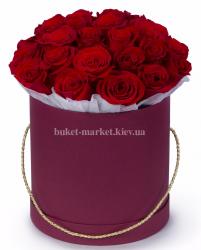 Красные розы в коробке 25 шт
