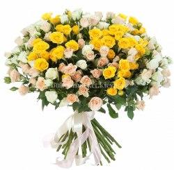 Кустовые розы букет, 51 шт
