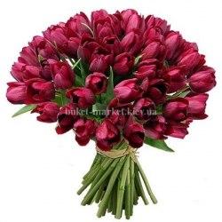 Букет из 45 фиолетовых тюльпанов