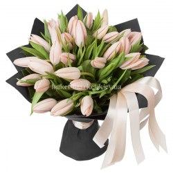Букет из 31 розового тюльпана
