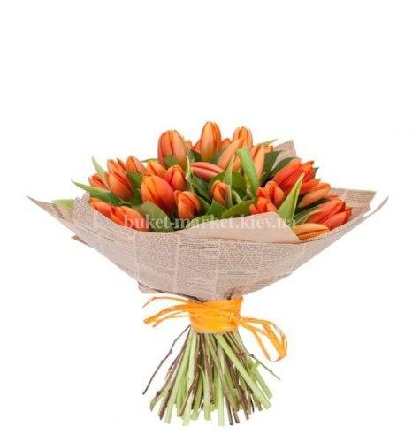 Букет из 35 оранжевых тюльпанов