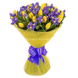 Букет из ирисов и тюльпанов 35 шт