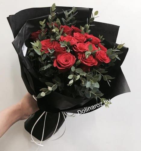 """Букет роз """"Красный стиль"""" 15 роз"""