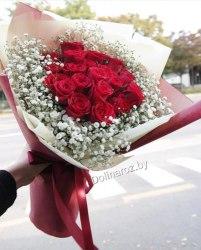 """Букет """"Красные розы и гипсофила"""" 19 роз"""