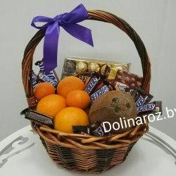 Корзина с фруктами и сладостями №5