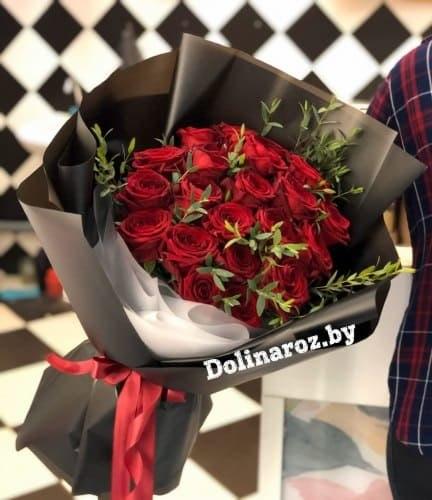 Букет «Магия Красного» 19 роз