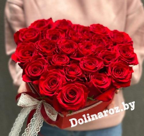 Цветы в коробке «Красное Сердце» 23 розы