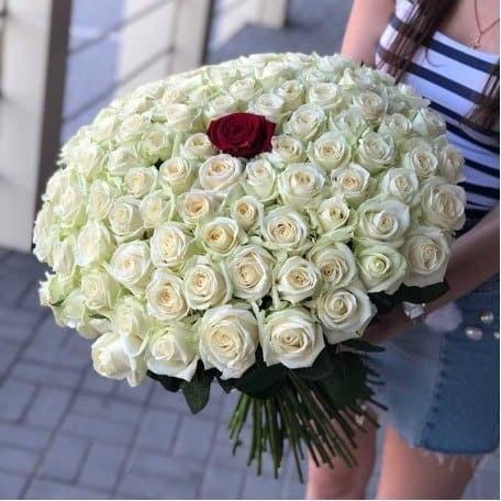 """Букет роз """"Единственной"""" 101 роза"""