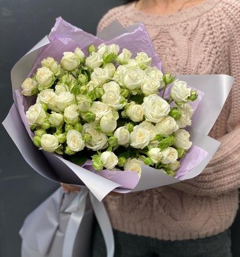"""Букет """"Белый бархат"""" Кустовые розы"""