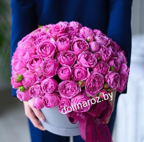 Шляпная коробка с розами Мисти Баблс Кустовые розы