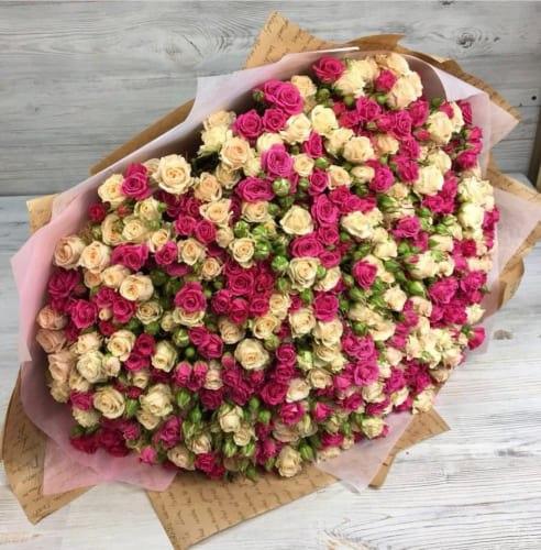 """Букет цветов """"Цветочный взрыв"""" Кустовые розы"""