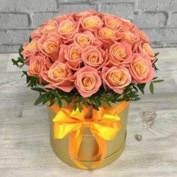 """Цветы в коробке """"Сочная"""" 29 роз"""
