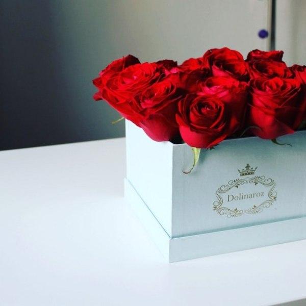Фотография коробки с розами недорого