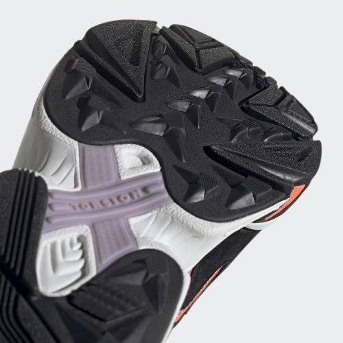Кроссовки мужские YUNG-96 CHASM CBLACK|CBL Adidas EE7234