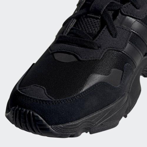 Кроссовки мужские YUNG-96 CBLACK|CBL Adidas F35019
