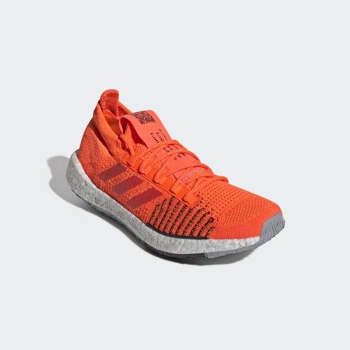 Кроссовки для бега мужские PulseBOOST HD m SOLRED|HIR Adidas EE9558