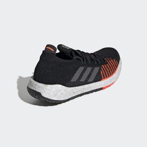Кроссовки для бега мужские PulseBOOST HD m CBLACK GRE Adidas F33909