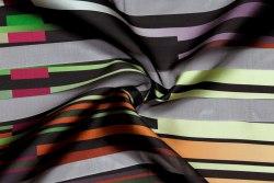 Полиэфирное волокно (93429) Состав: 81% полиэфирное волокно, 19% шелк Ширина: 150 см