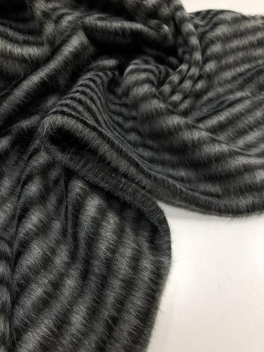 Мех (95076) Состав: 50% овечья шерсть, 50% полиакрил Ширина 135см
