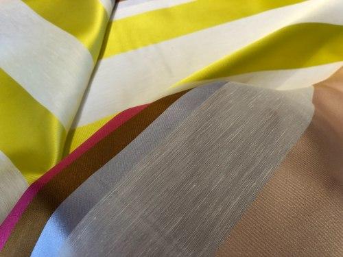Полиэфирное волокно (97940) Состав ( 62% полиэфир, 21% лен, 17% шелк) Ширина: 160 см