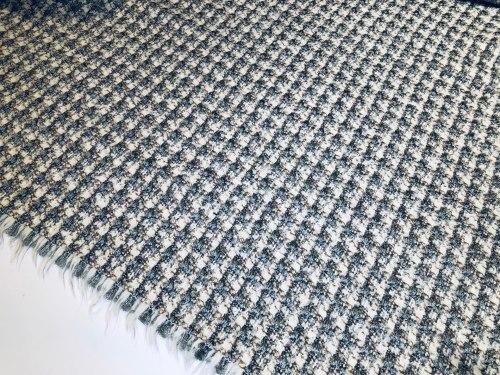 Шерсть (106018) Состав ( 60% шерстяное волокно, 40% шерсть горной козы особой выделки) Ширина: 130 см