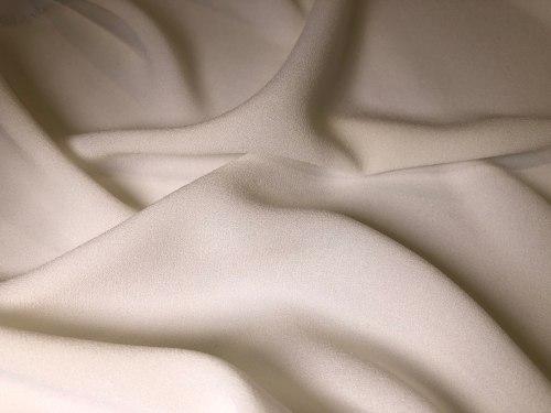 Ацетатное волокно (101963) Состав (73% ацетатное волокно, 27% полиэфирное волокно Ширина: 135см