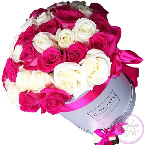 Бело - Розовые Розы в шляпной коробке