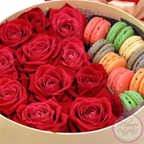 """Подарочная коробка """"Сладкие Чувства"""""""