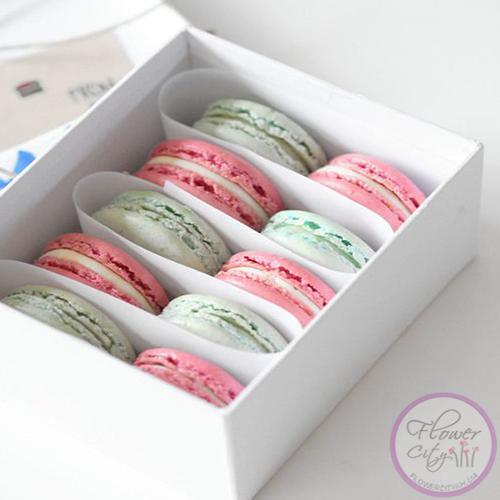 """Подарочная коробка """"Macarons"""""""