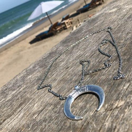 Ожерелье с полумесяцем на цепочке, металл, серебряный цвет
