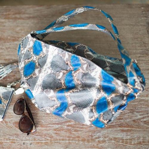Сумка HOBO из натуральной кожи питона серо-синяя разноцветная
