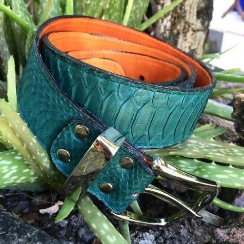 Ремень из натуральной кожи питона темно-зеленый