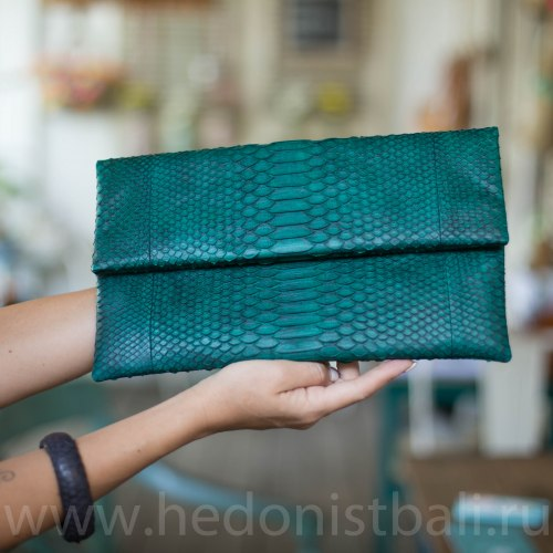 Клатч из натуральной кожи питона темно-зеленый размер М