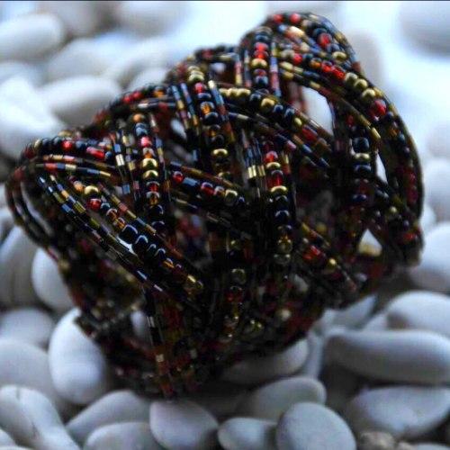 Браслет из бисера широкий косичка красно-черно-золотой