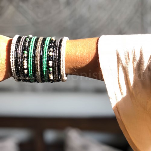 Браслет из бисера широкий черно-бело-зеленый