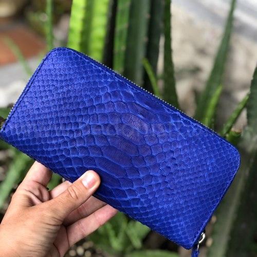 Кошелек из натуральной кожи питона ярко-синий размер M