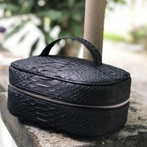 Косметичка дорожная из натуральной кожи питона черная