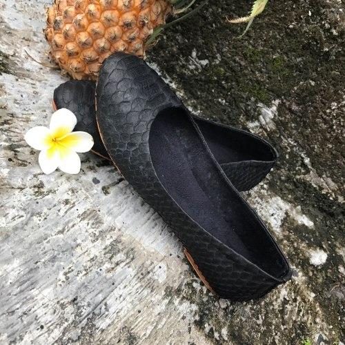 Балетки из натуральной кожи питона черные 37