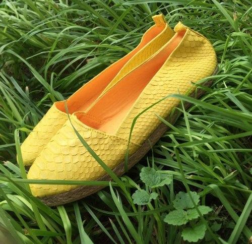 Эспадрильи из натуральной кожи питона желтые 40