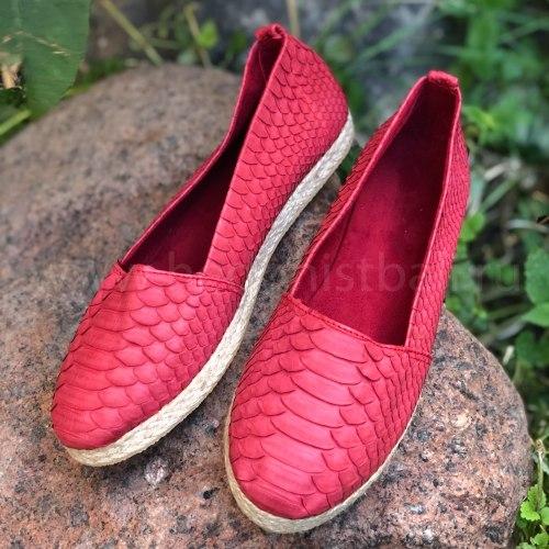 Эспадрильи из натуральной кожи питона красные